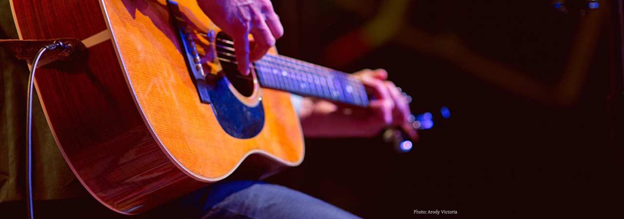 acoustic-guitarist-in-Charleston-SC
