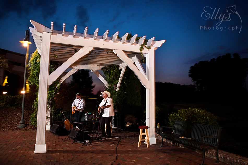 Acoustic Guitarists In Greensboro North Carolina
